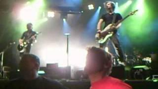preview picture of video 'SILBERMOND Leadsängerin STEFANIE 10.09.2010 vom Publikum getragen Rastatt Deutschland Germany'