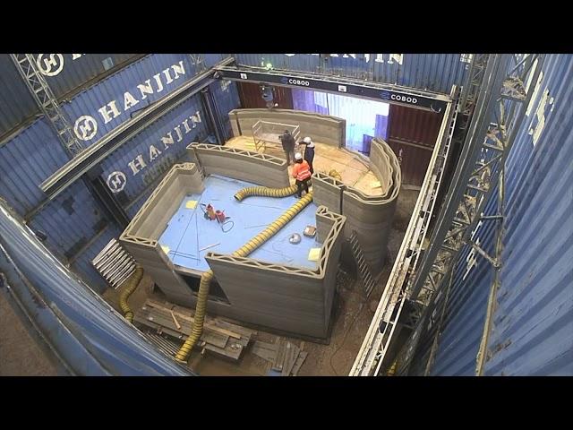 Самый большой в Европе 3D-принтер буквально на глазах напечатал двухэтажный дом