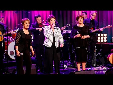 The Queens of Country medley | The Late Late Show | RTÉ One