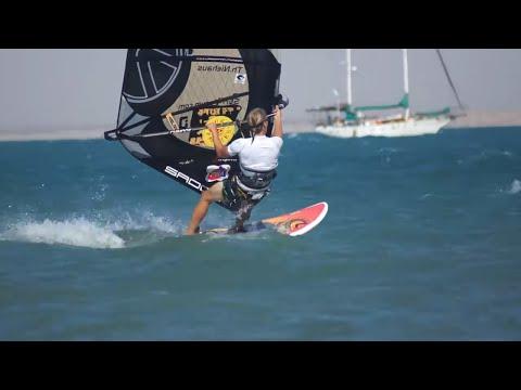 18-21_ZERO BAY - the perfect kiteboard spot (sailing ZERO)