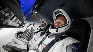 Astronautas de la NASA llegan a la Estación Espacial Internacional en SpaceX Spacecraft