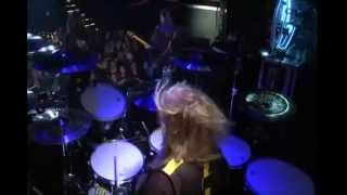 Stryper-Marching Into battle-(Live)