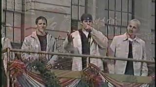 98 degrees Macys Thanksgiving day Parade *This Gift*