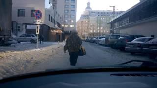 Воронеж. Пешеход игнорирует автомобилиста