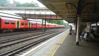 preview picture of video '450 091 South West Trains fast through Weybridge Station, Surrey'