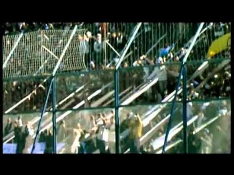 """""""La Locura, El Descontrol y La Alegria"""" Barra: La Banda de Fierro 22 • Club: Gimnasia y Esgrima • País: Argentina"""
