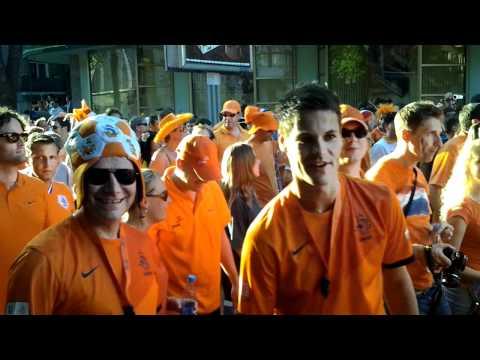 Голландцы маршируют по Харькову (видео)