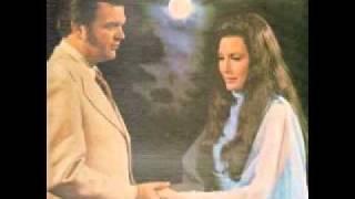 Loretta Lynn - I don't wanna play house