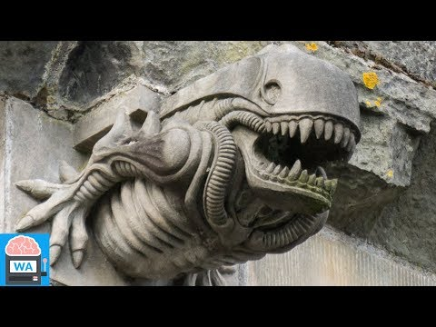 """Das Geheimnis, warum ein """"Alien"""" Wasserspeier am Kloster in Schottland ist, wurde gelöst"""