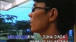 Download lagu Boy Sandi Undangan Merah Jingga Mp3
