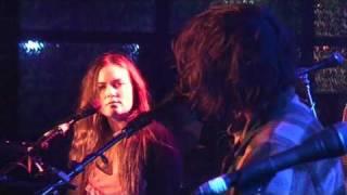 Angus and Julia Stone - Black Crow (live)
