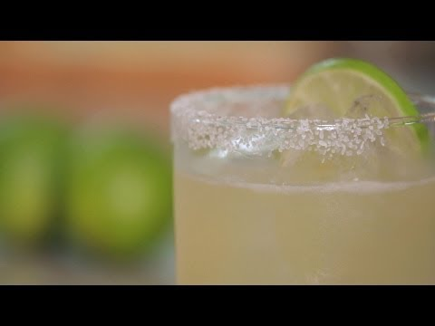Video How to Make a Margarita | Cocktail Recipes