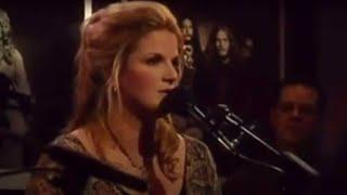 Trisha Yearwood & Matraca Berg – Wrong Side of Memphis (Live)