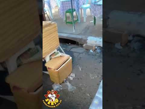 Munícipe registra no celular barraca de pastel ao lado de uma boca de lobo e cobra o organizador da feira