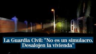 """Así desaloja la Guardia Civil a los vecinos por el volcán: """"Atención. Esto no es un simulacro"""""""