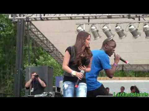 Charice - KFEST 2010 New York (Pyramid feat. Iyaz)