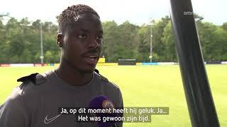 Richie Musaba van Vitesse ziet tweelingbroer als voorbeeld