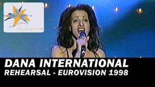 דנה אינטרנשיונל בחזרות (Dana International's rehearsals at Eurovision 1998 (with subtitles