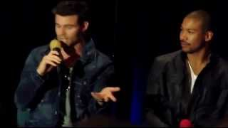 Дэниэл Гиллис, Daniel Gillies & Charles Michael Davis TVD Chicago 2014 1: Acting