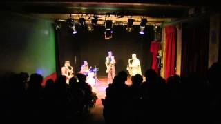 Los Papatachos video preview