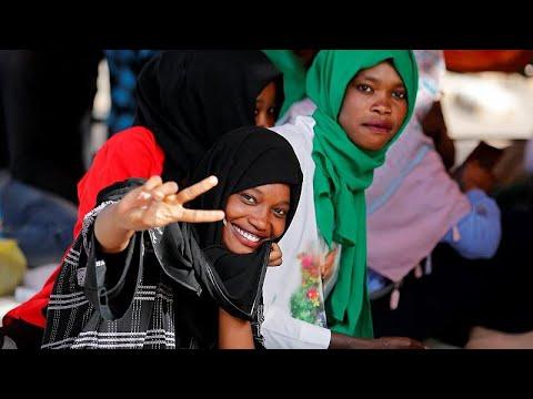 العرب اليوم - شاهد: تعثر المفاوضات بين المحتجين والمجلس العسكري في السودان
