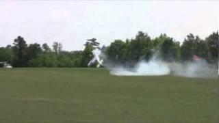 Die besten 100 Videos 17 years old RC Pilot stuns Crowd - unglaublicher ferngesteuerter Flugzeug Pilot