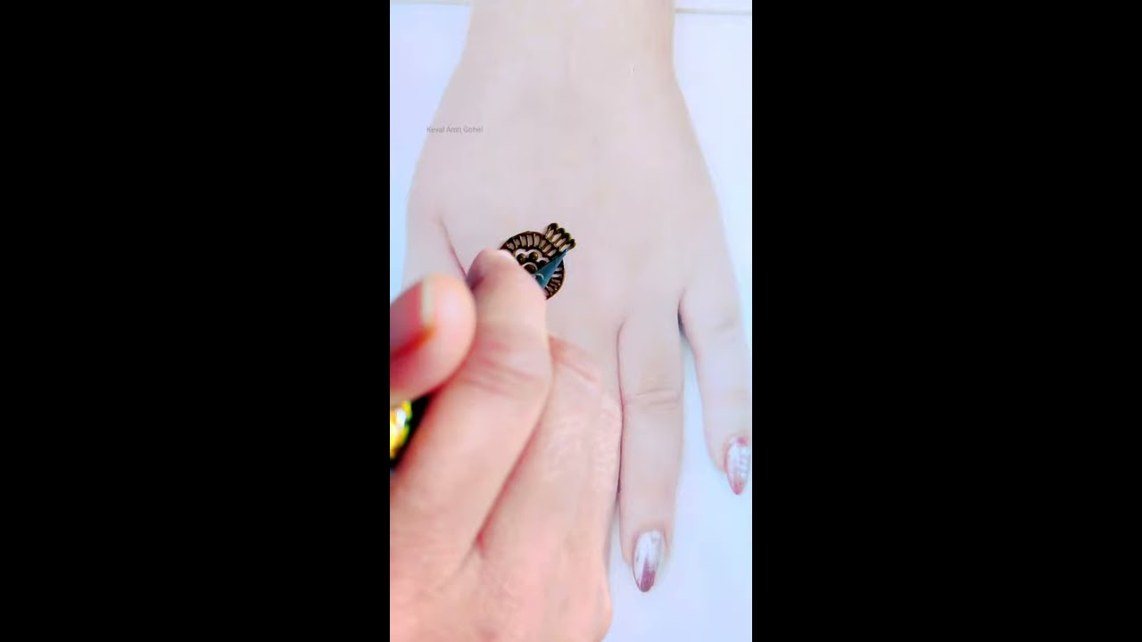 simple and easy back hand mehndi design by keval amit gohel