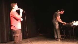 Adam and Andrew Live - Hollaback Girl (12-2-06)