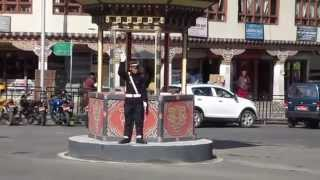 preview picture of video 'A police officer directing traffic in Thimphu, Bhutan'
