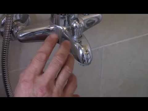 como colocar, una barra de ducha deslizante(as placing a sliding bar shower)
