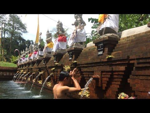Penglukatan-Pancoran-Solas-Tirta-Taman-Mumbul-Sangeh-Bali.html
