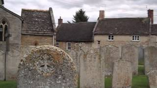 preview picture of video 'Morcott churchyard (and church)'