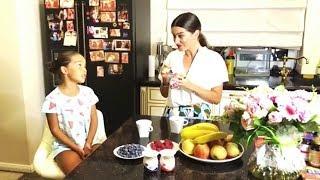 Бородина завтракает с Марусей любимыми йогуртами