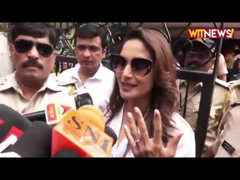 Aamir Khan , Madhuri Dixit , Padmini Kolhapure And Many Celebs Cast Their Vote