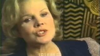 Debbie Reynolds. Eli Wallach & Carroll Baker thank John Harvey & Cinerama