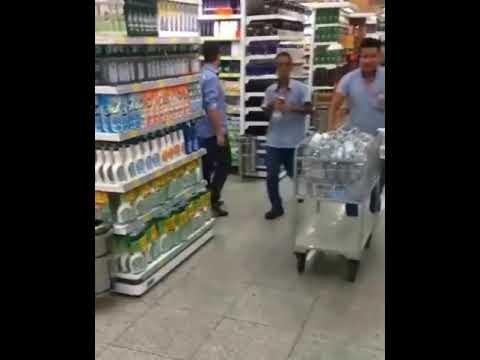 Procura por álcool em gel causa tumulto