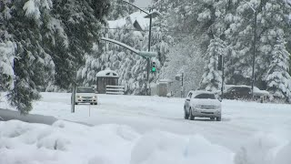 Winter-like storm traps people in Flagstaff