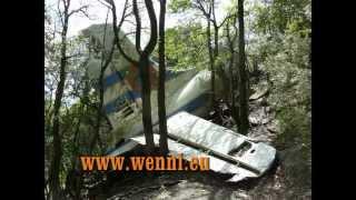 preview picture of video 'Enduro-Tour zu einem Flugzeugwrack 2013 in Katalonien. Enduro-Trip to a plane wreck in Catalonia.'