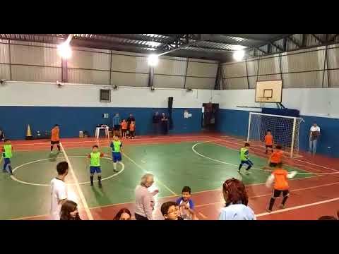 Gol do Enzo de 8 anos na Escolinha de futebol em Bauru, SP  parte 2
