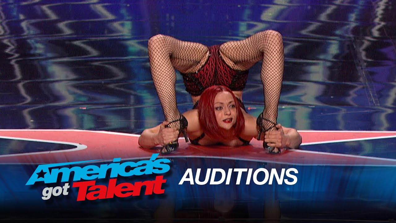 Amazing Contortionists Bend Their Way to the AGT Stage - America's Got Talent 2015 thumbnail