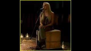 Danielle Bradbery - Never Like This (Lyrics)