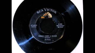 JIM REEVES - Yonder Comes a Sucker [Country - 1955]