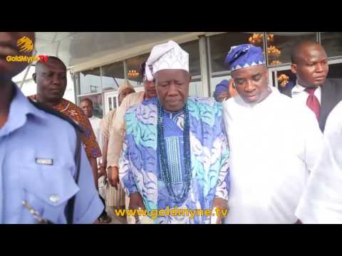Download OLUBADAN ATTENDS K1 DE ULTIMATE'S MIFO-ALLAH @ 20 AND AWARD CEREMONY #k1AT60