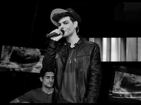 Abraham Mateo video Girlfriend - Estudio CM - 2014