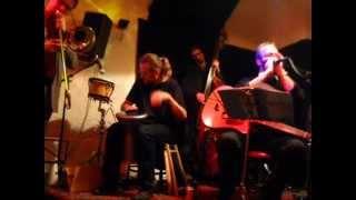 Video Dialog blues band & Plzeňské bluesové trio v klubu Bluessklep