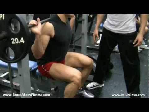 How to Grow your Legs with this exercise (Heavy Smith Machine Squats) - Brock Aksoy & Mike Raso