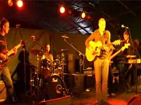 Denny Lloyd band Farmer Phils Festival 2008 crowd invasion John Hardman on guitar