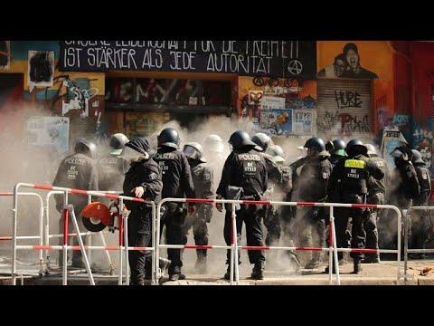 Βερολίνο: Μάχη γύρω από το κτίριο της Rigaer Strasse 94