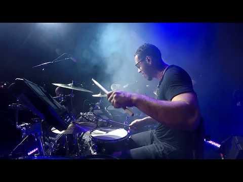 Prince Royce Live -Bachata Medley.