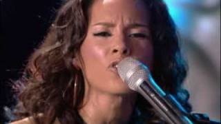Alicia Keys- Superwoman & No One Live World Music Awards!
